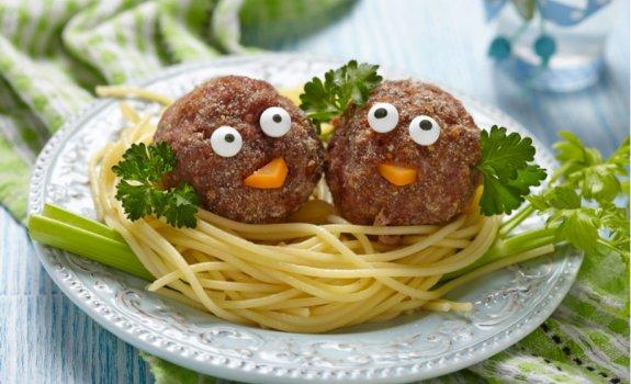 Kaip vaikams paruošti makaronų patiekalus sveikiau?