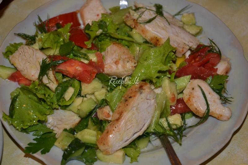 Salotu receptai su vistiena