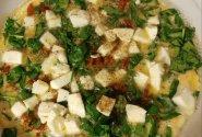 Vasariškas omletas su špinatais