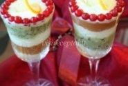 Vaisių desertas su grietinėle