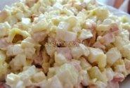 Vištienos salotos su kriaušėmis