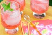 """Alkoholinis kokteilis """"Rožinis šėlsmas"""""""