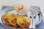 Ananasų ir kokosų ledai su karamelizuotais čili pipirais