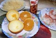 Žuvis apelsinų puodelyje