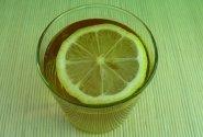 Šalta mėtų arbata