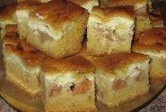 Obuolių ir varškės pyragas prie kavos