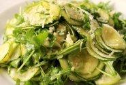 Cukinijų salotos su parmezanu