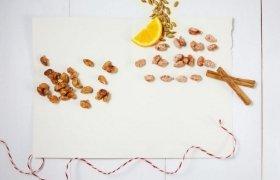 Apelsinų skonio skrudinti migdolai su prieskoniais