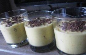 Mangų - varškės želė desertas