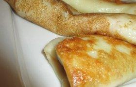 Šalto ryto pusrytiniai lietiniai su sūriu