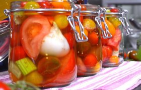 Pikantiški pomidorai su cinamonu