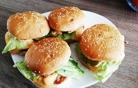 Naminiai hamburgeriai