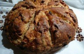 Duona su abrikosais ir riešutais