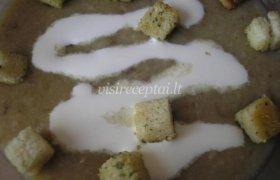 Rudeniu kvepianti kreminė baravykų sriuba