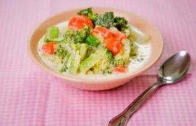 Sriuba su morkomis ir brokoliais