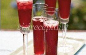 Putojančio vyno–žagarės kokteilis