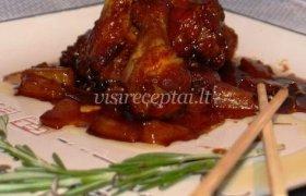 Kepti vištienos sparneliai su karameliniu padažu