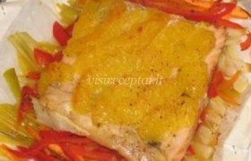 Lašiša su daržovėmis ir apelsinu