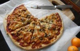 Pica su vištiena