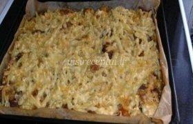 Makaronų apkepas su mėsa ir sūriu