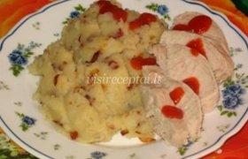 Bulvių košė su spirgais