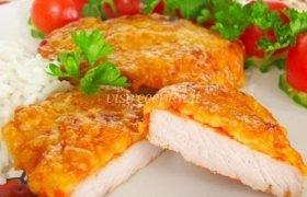 Kiaulienos kepsnys su sūrio plutele