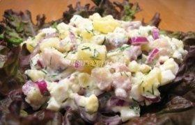 Silkės, bulvių ir kiaušinių salotos
