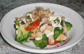 Brokolių salotos su vištiena