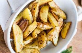 Keptos bulvės su žolelių aliejumi