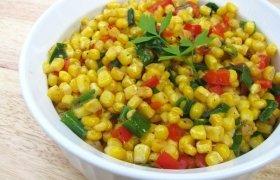 Karštos kukurūzų salotos