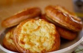 Pyragėliai su varške ir bulvėmis