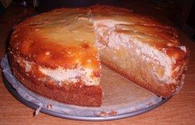 Draugystės pyragas su varške ir obuoliais