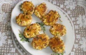 Įdaryti kiaušiniai lukštuose