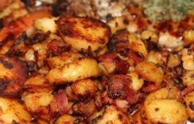 Keptos bulvės su mėsa