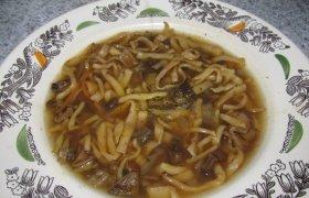Pupelių sriuba su miško grybais