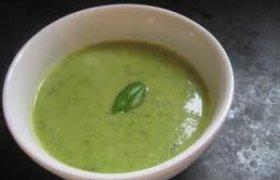 Šviežių žirnių sriuba