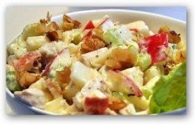 Gardžiosios vištienos salotos