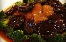 Troškintos daržovės kiniškai