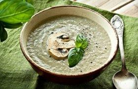 Pievagrybių sriuba su anakardžiais