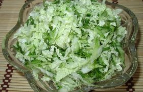 """""""Žalių"""" vitaminų salotos"""