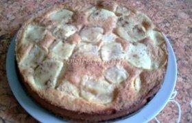 Astos obuolių pyragas