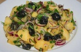 Gardžiosios bulvių salotos