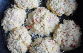 Fermentinio sūrio kotletai su krabų lazdelėmis
