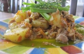 Vištienos troškinys su bulvėmis