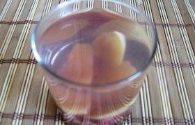 Alyvinių obuolių - serbentų kompotas