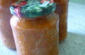 Troškinti kopūstai su pomidorų padažu