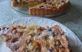 Pyragas su agrastais ir vyšniom