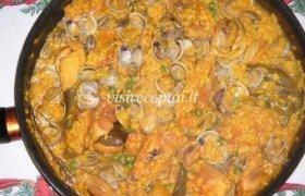 Ispaniški ryžiai su vištiena ir kriauklytėmis (almehomis)