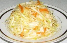 Lietuviškos kopūstų salotos