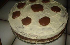 Tortas su šokoladu